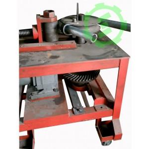 Máy uốn ống thép